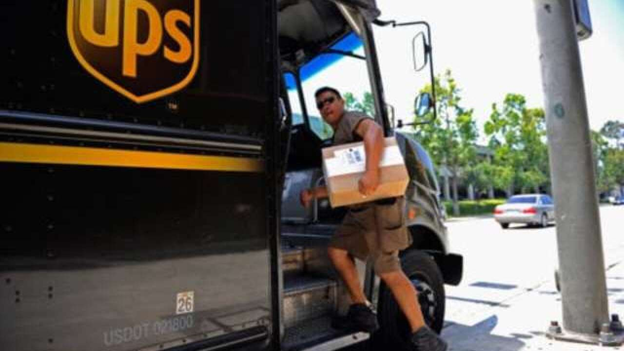 UPS hiring 100,000 seasonal employees