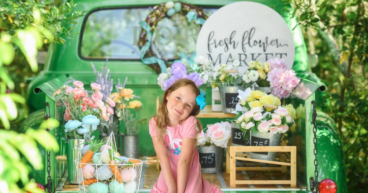 WE'RE OPEN: Local photographer gets creative to take Easter Bunny pictures