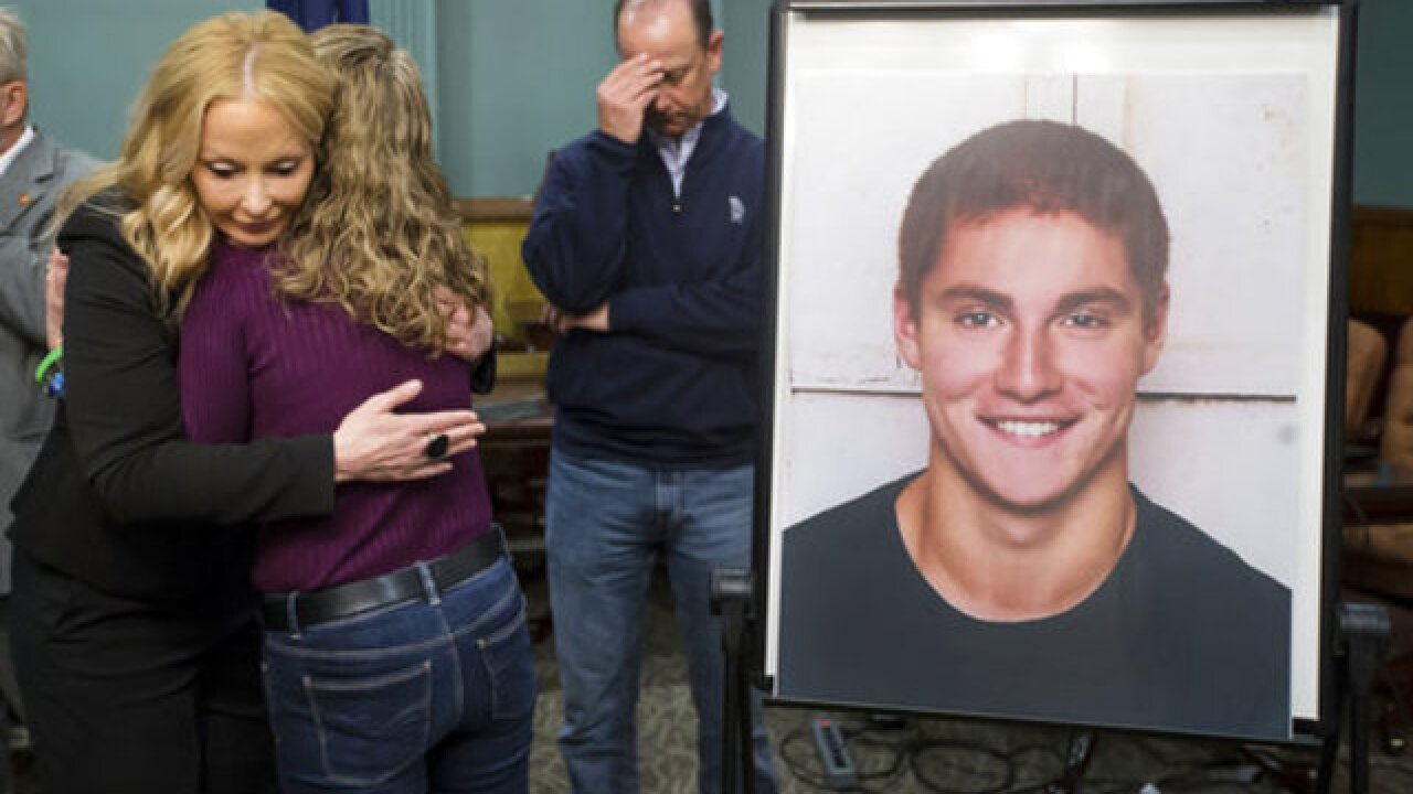 Cop says Penn State pledge 'looked like corpse'