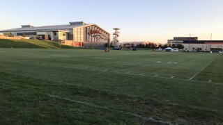 Broncos cancel practice after offensive lineman tests positive for COVID-19