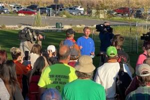 Andrew Moorman briefing volunteers