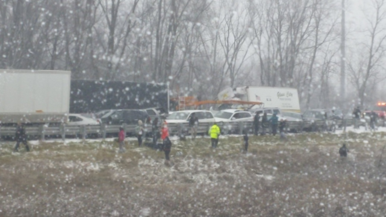 40+ cars in pileup on Michigan highway
