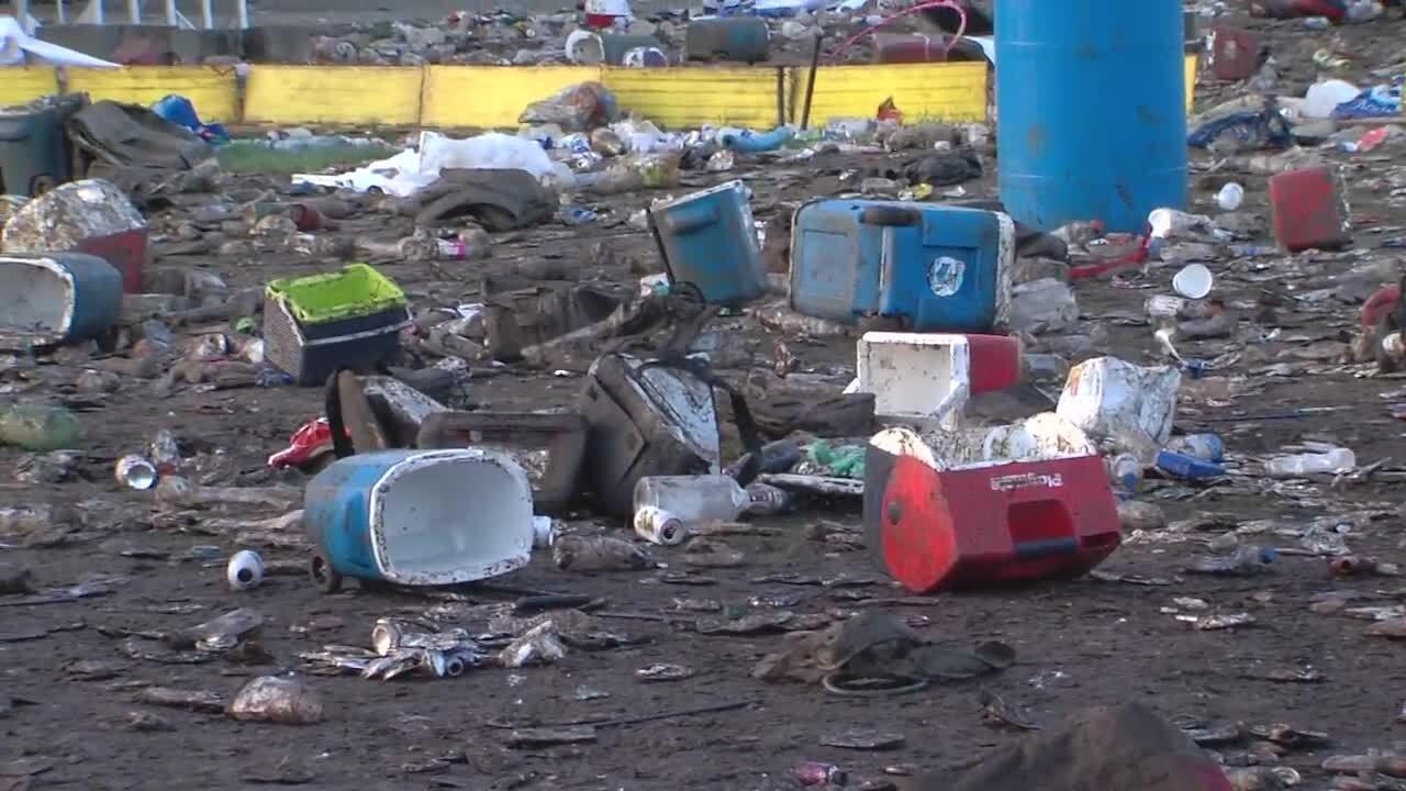 Indy 500 SnakePit Trash (8).jpg