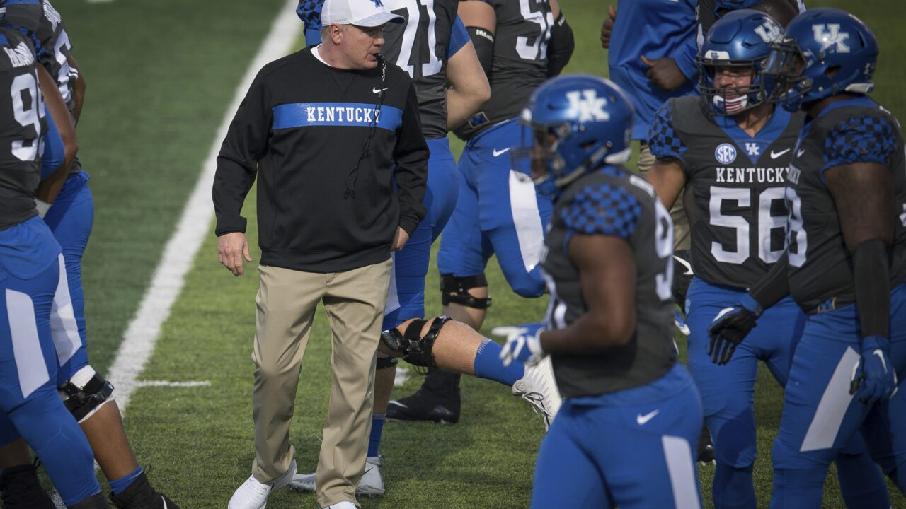 Stoops Finishes 6th in Coach of the Year Voting