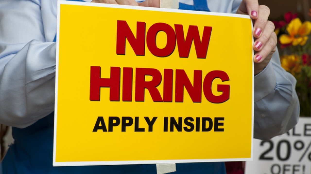 Hundreds of holiday jobs available in WNY