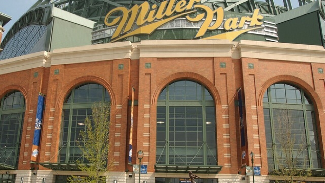 Miller Park roof will be closed for NLDS Game 1