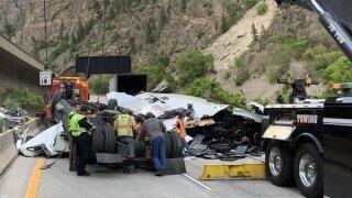 glenwoodcanyon-crash2.jpeg