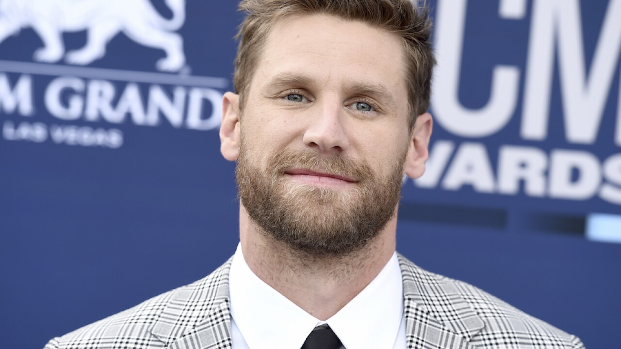 Country singer Chase Rice facing criticism after playing Tennessee concert amid pandemic