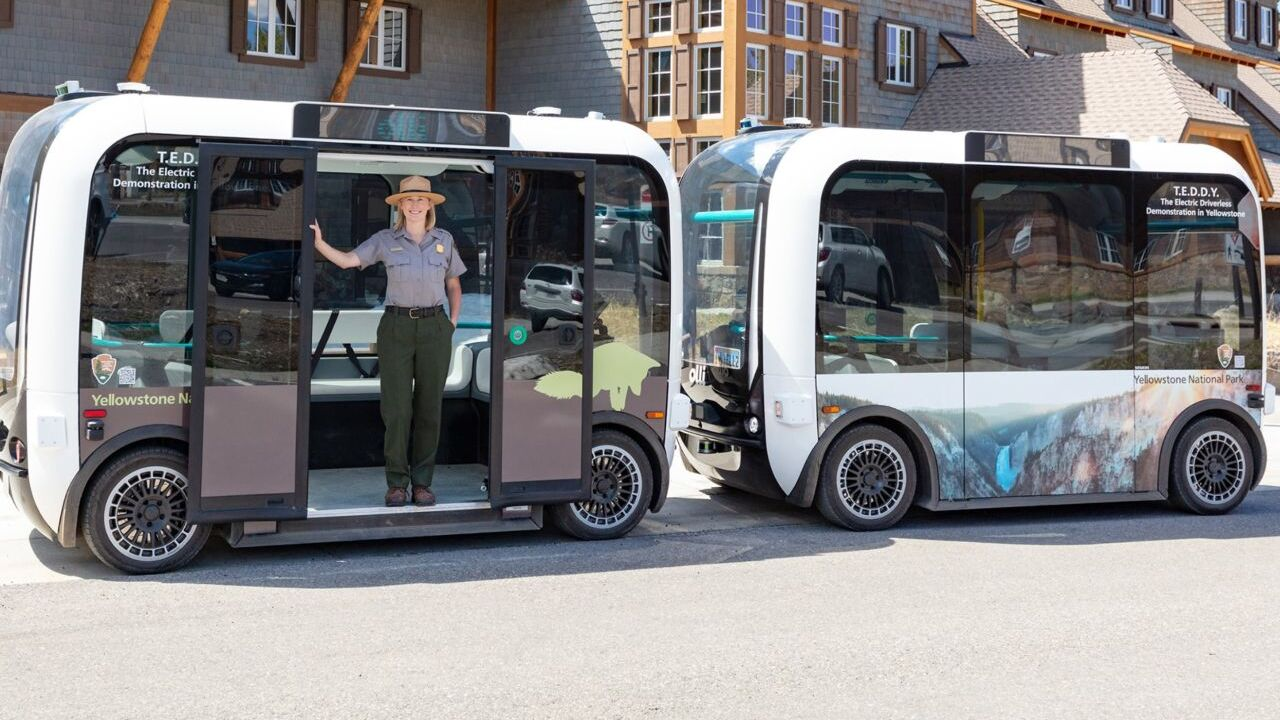TEDDY - The Electric Driverless Demonstration in Yellowstone shuttle