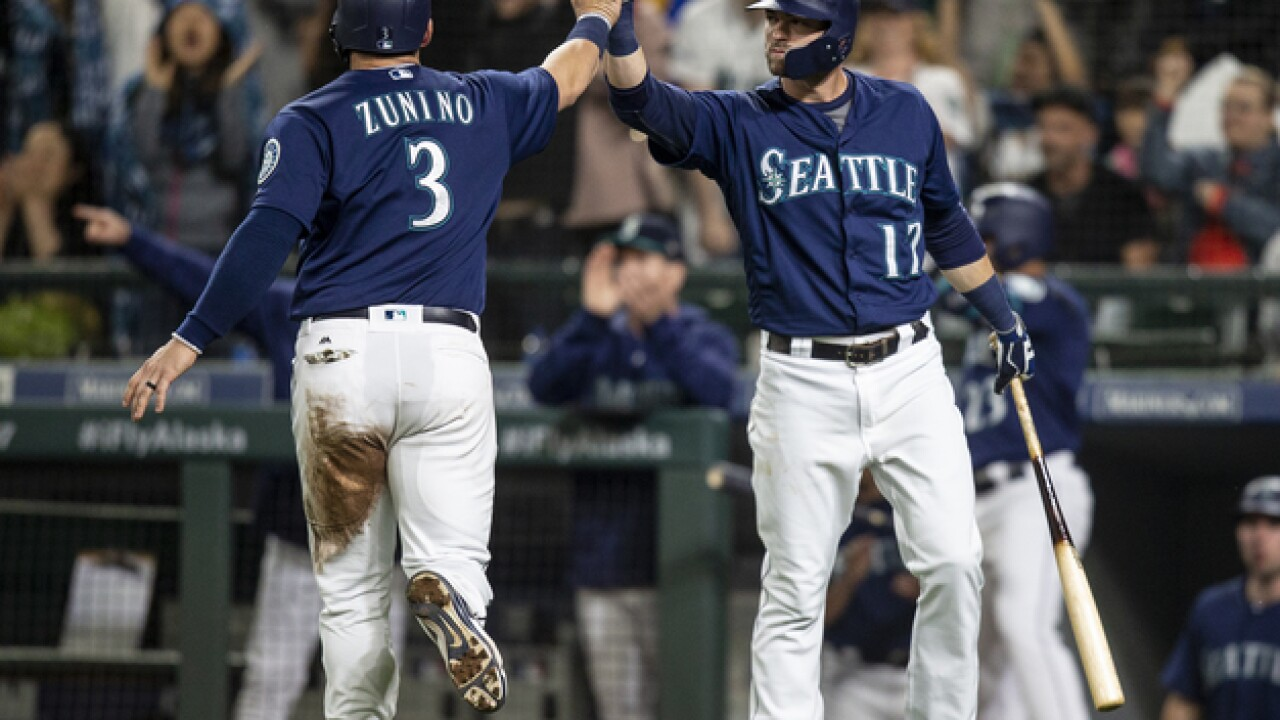 Mariners ride big seventh inning to win over Tigers