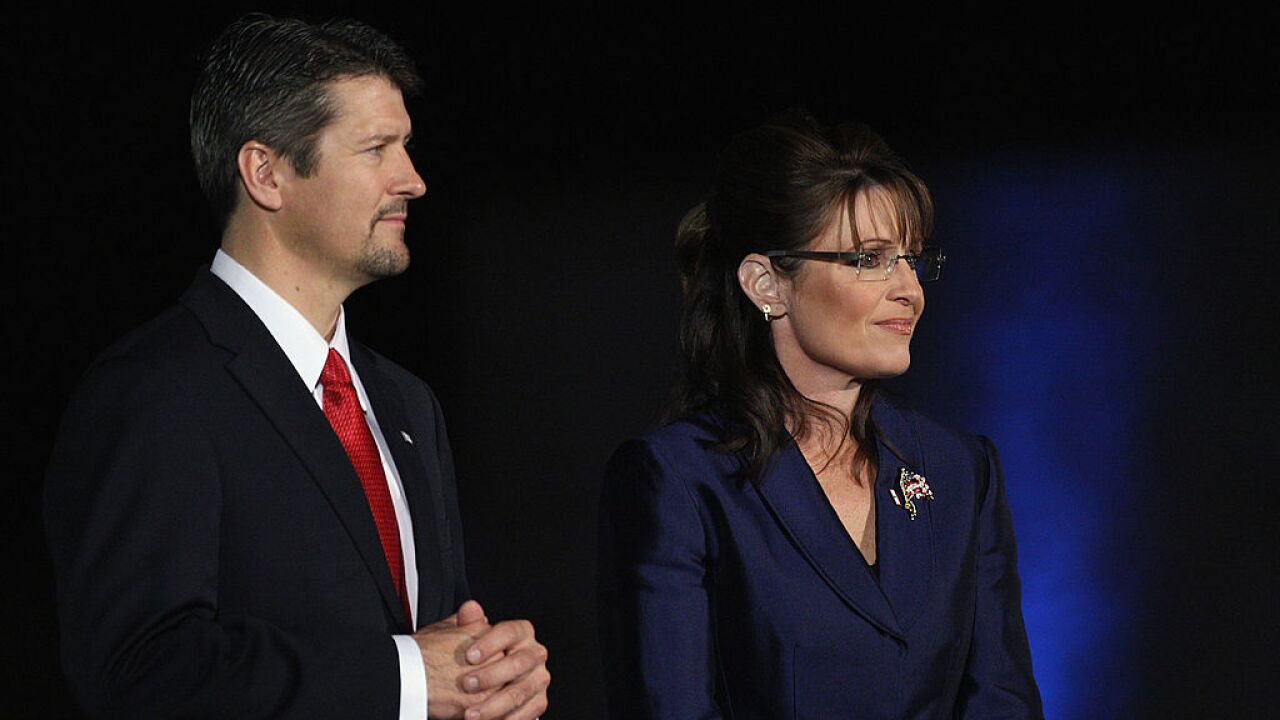 Ex-Alaska Gov. Sarah Palin's husband Todd Palin files for divorce