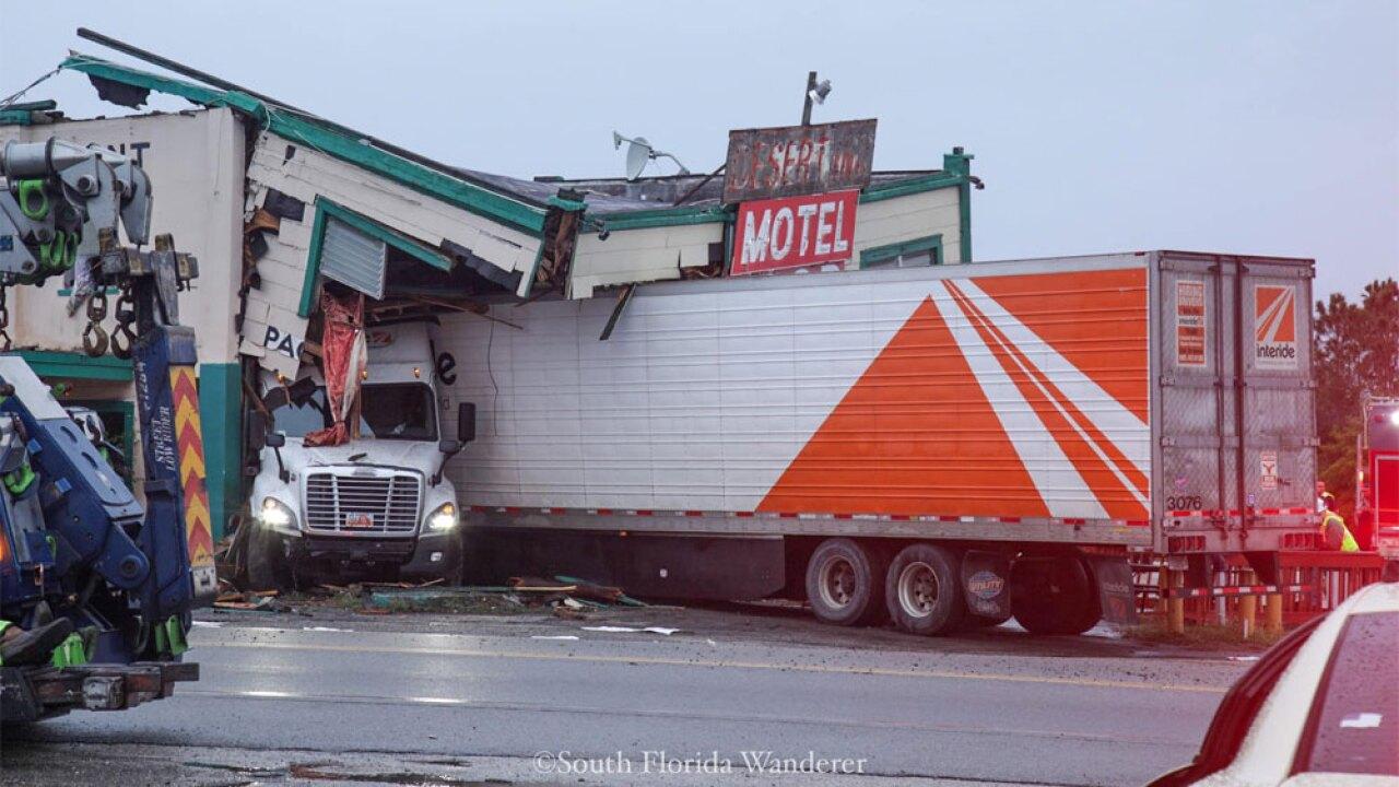 WPTV-Desert-Inn-crash-122219-01.jpg