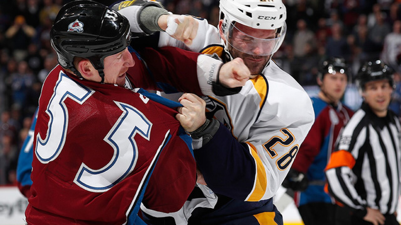 Fisher helps Predators to 5-2 win over Avalanche