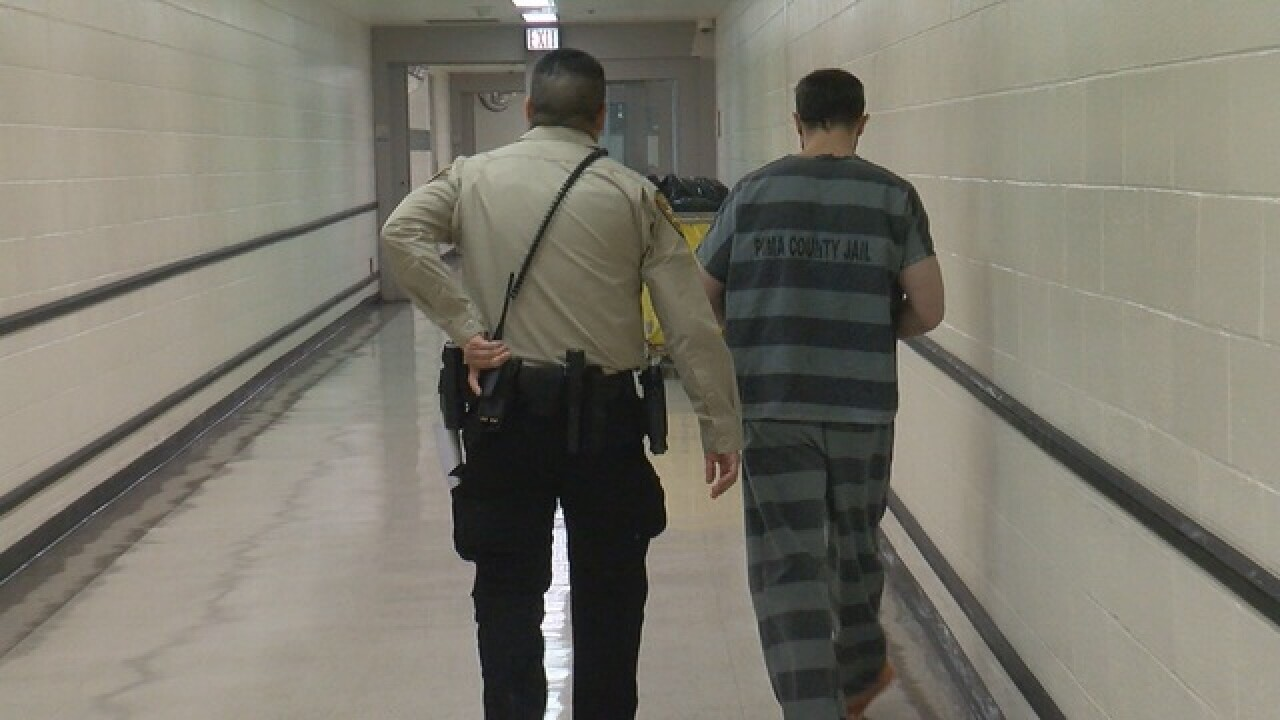 jail%20photo_1504310189054_65501807_ver1.0_640_480.jpg