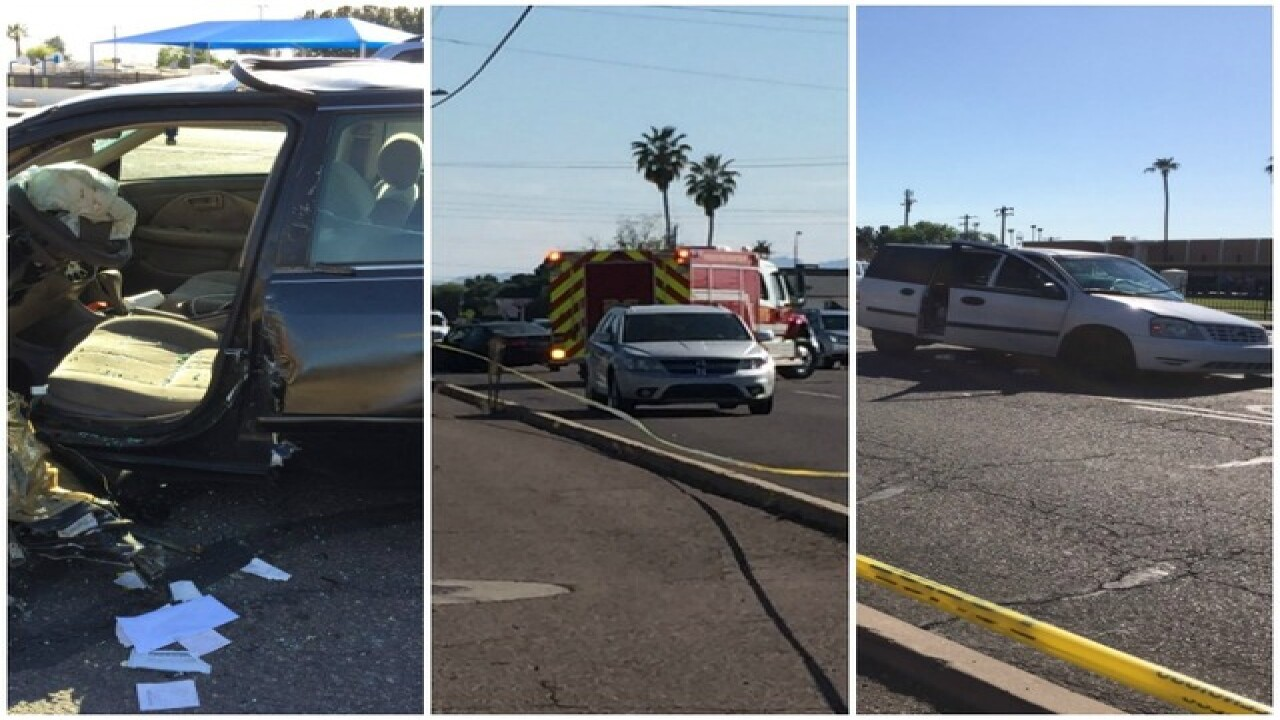 PHX PD: 5 pedestrians hurt after 2-vehicle crash