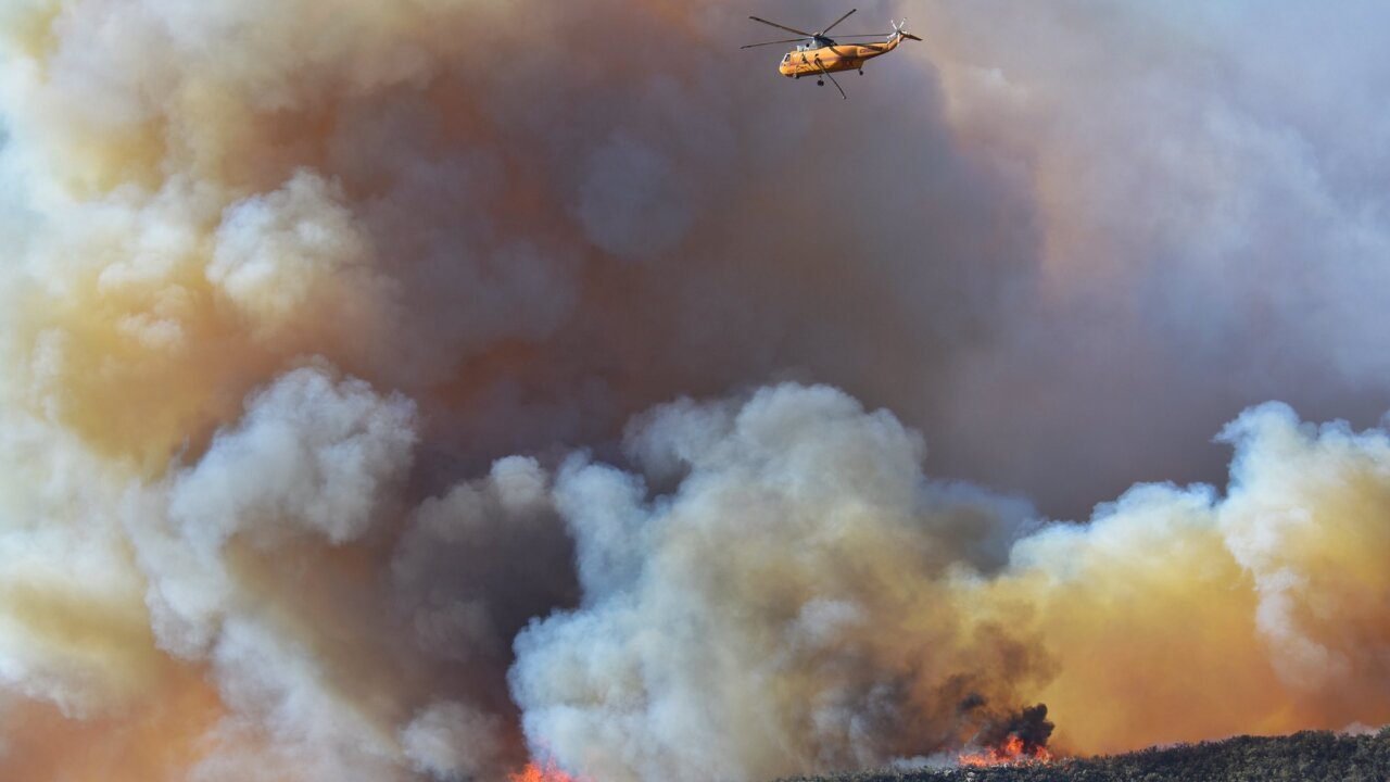 alisal fire helicopter 10-12-21.jfif