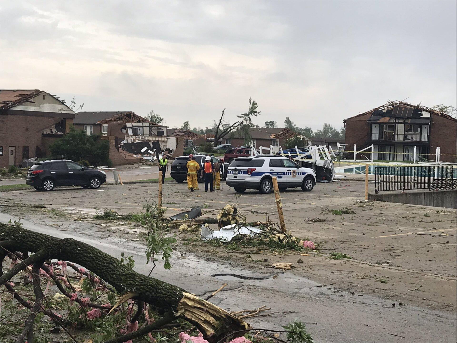 jeff city tornado 17.jpg