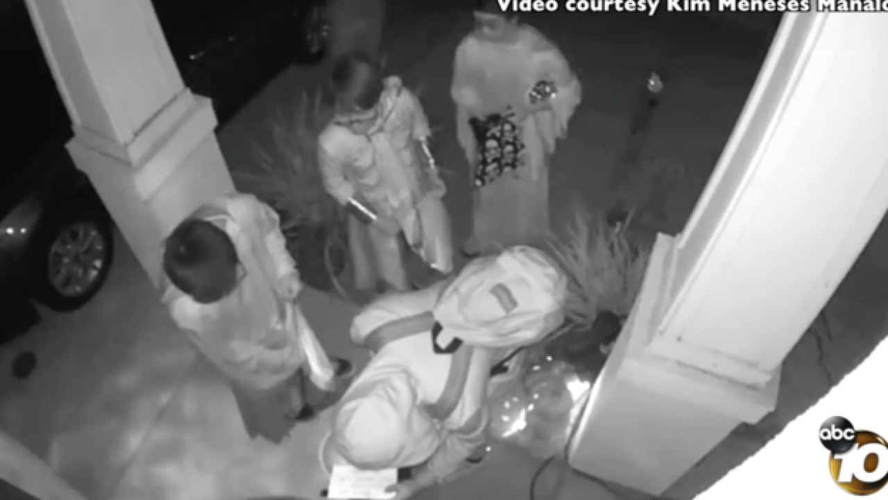 Cameras show kids paying it forward on Halloween