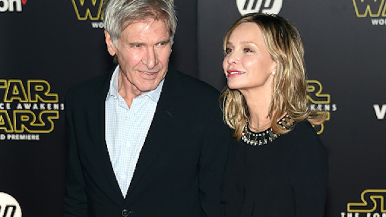 Celebs at 'Star Wars' premiere offer reviews