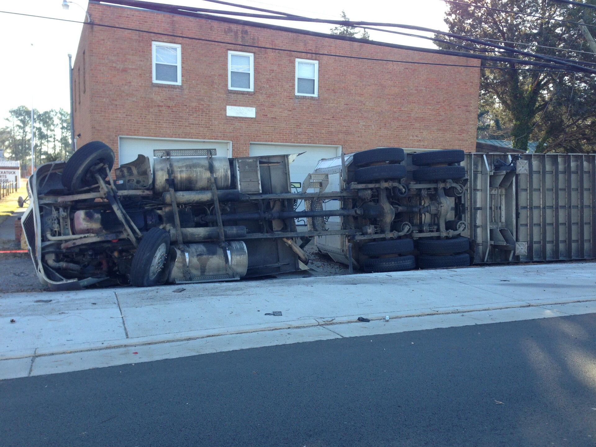 Photos: Rt. 10 in Chuckatuck reopens after tractor-trailer rollover