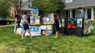 Tennessee neighborhood creates COVID-19 art crawl