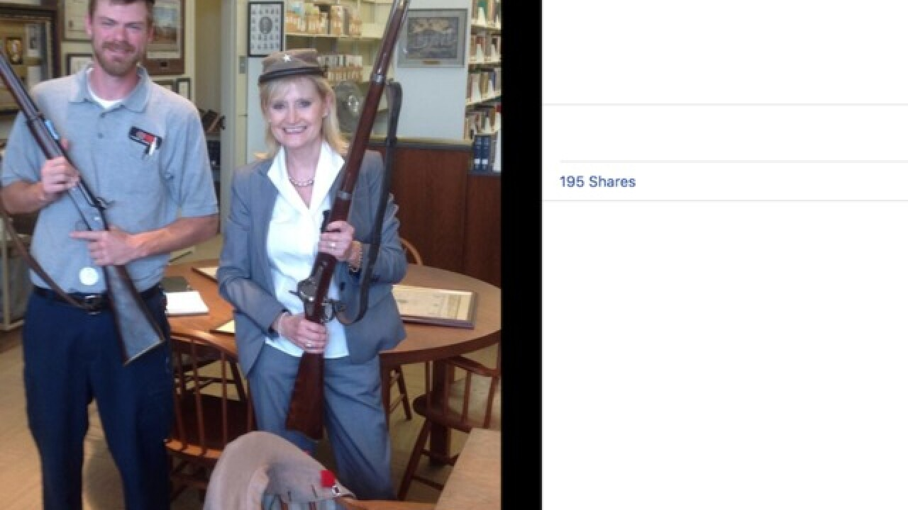 Photo surfaces showing Mississippi Sen. Cindy Hyde-Smith posing with Confederate artifacts