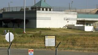 Federal Prisons Wardon