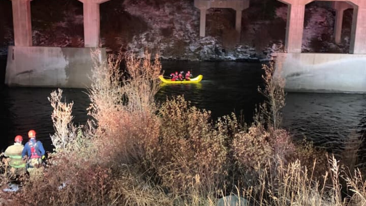 Missoula SAR responds to vehicle in Clark Fork River
