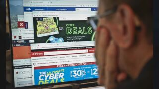 Criminals targeting unsuspecting online holiday shoppers