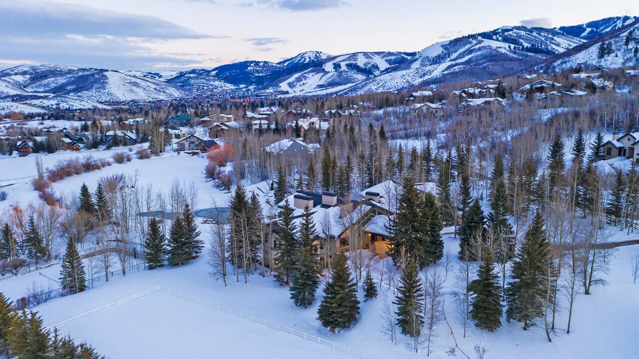 These are photos of the mountain mansion Tony Hsieh lived in while in Park City, Utah