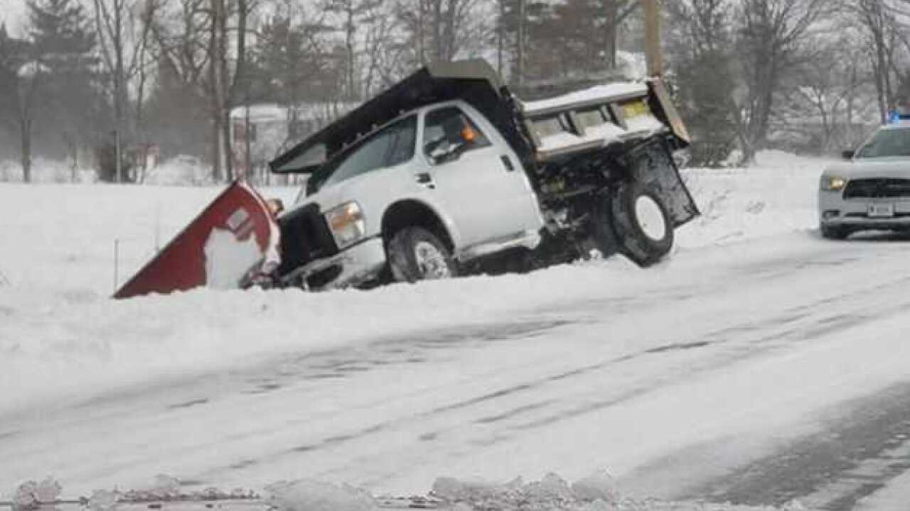 plow-truck-ditch
