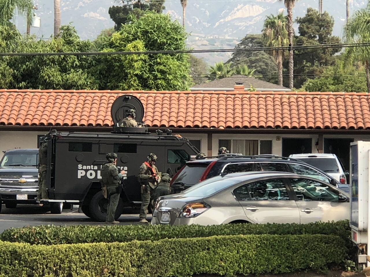 SWAT on scene at the Sunset Motel (Photo: SBPD)