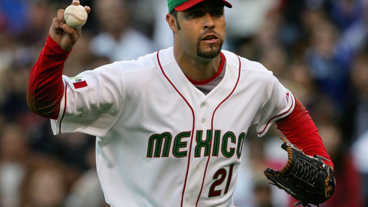 Ex-MLB pitcher Loaiza faces federal drug charge
