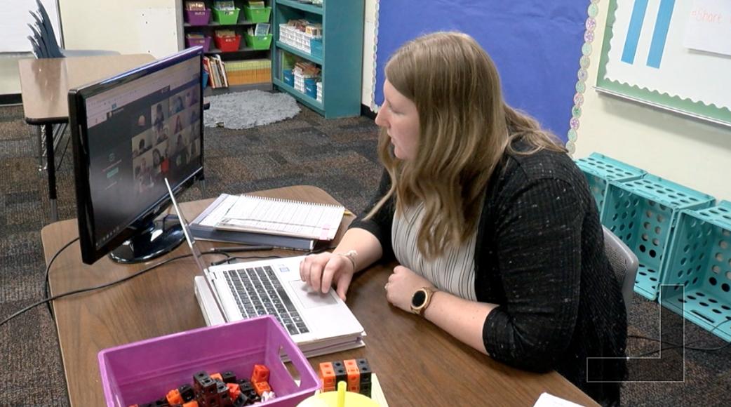 Sunnyside teacher in remote learning session