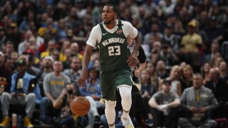 Bucks' Sterling Brown, Kyle Korver to meet with Pope Francis to discuss social justice efforts, reports say