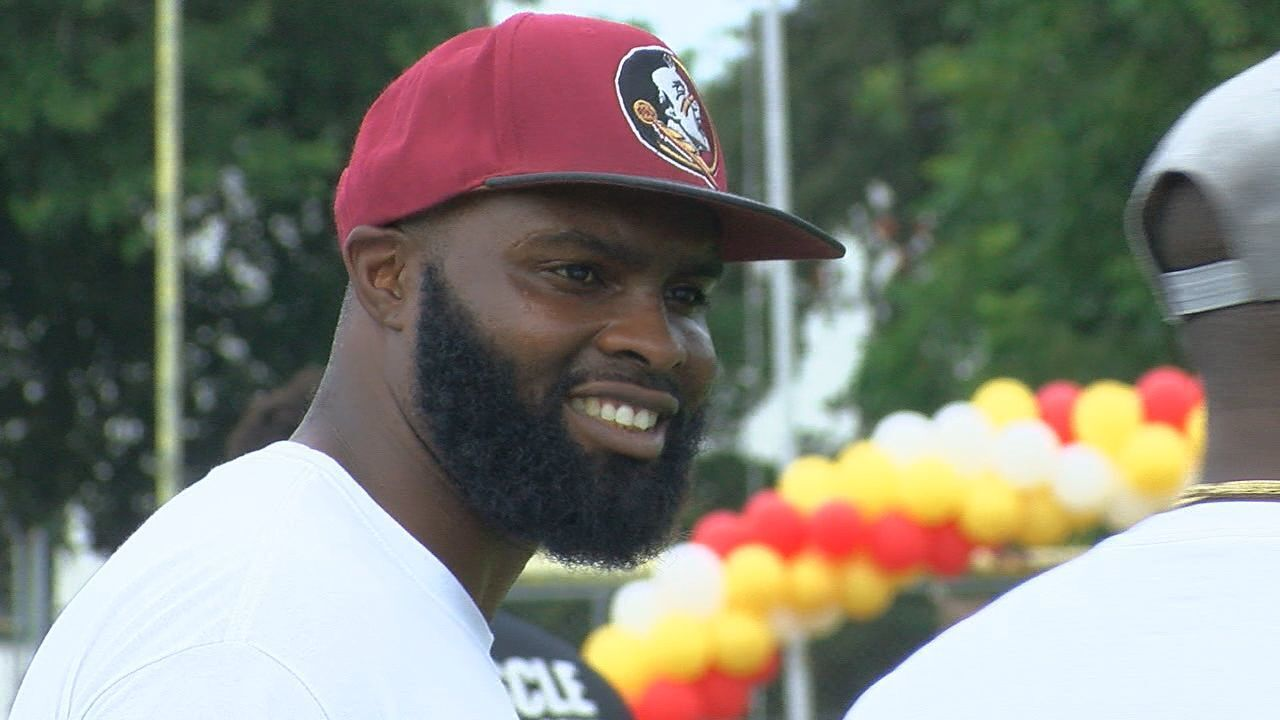 De'Cody Fagg Hosts 5th Skills and Techniques Football Camp
