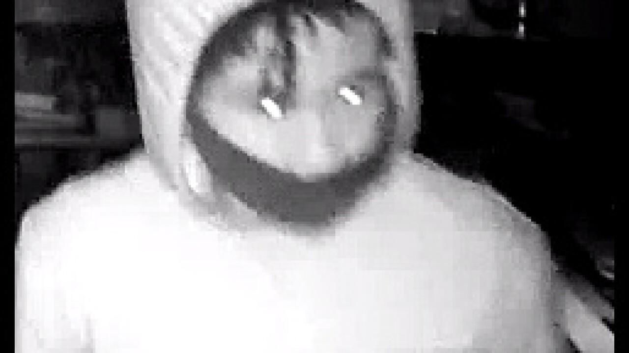 Looting suspect 2 close.jpg