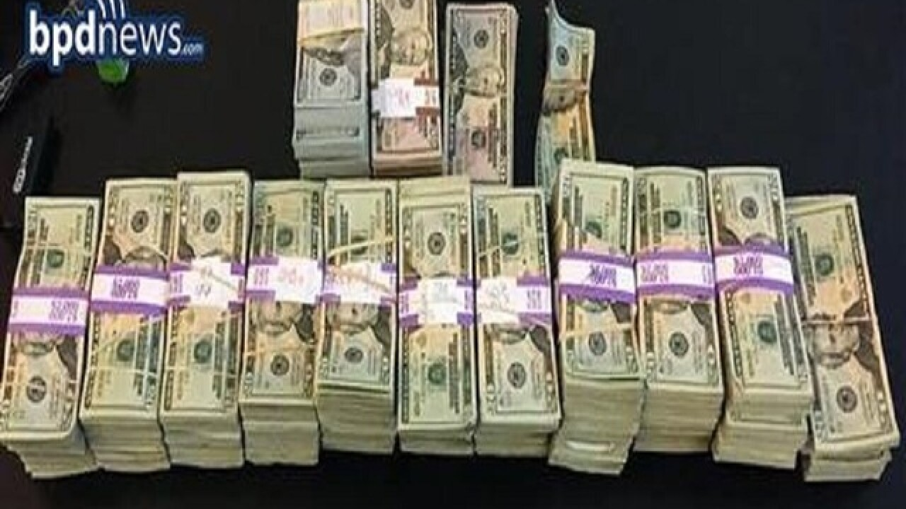 Boston cabbie turns in $187,000 left behind in his taxi