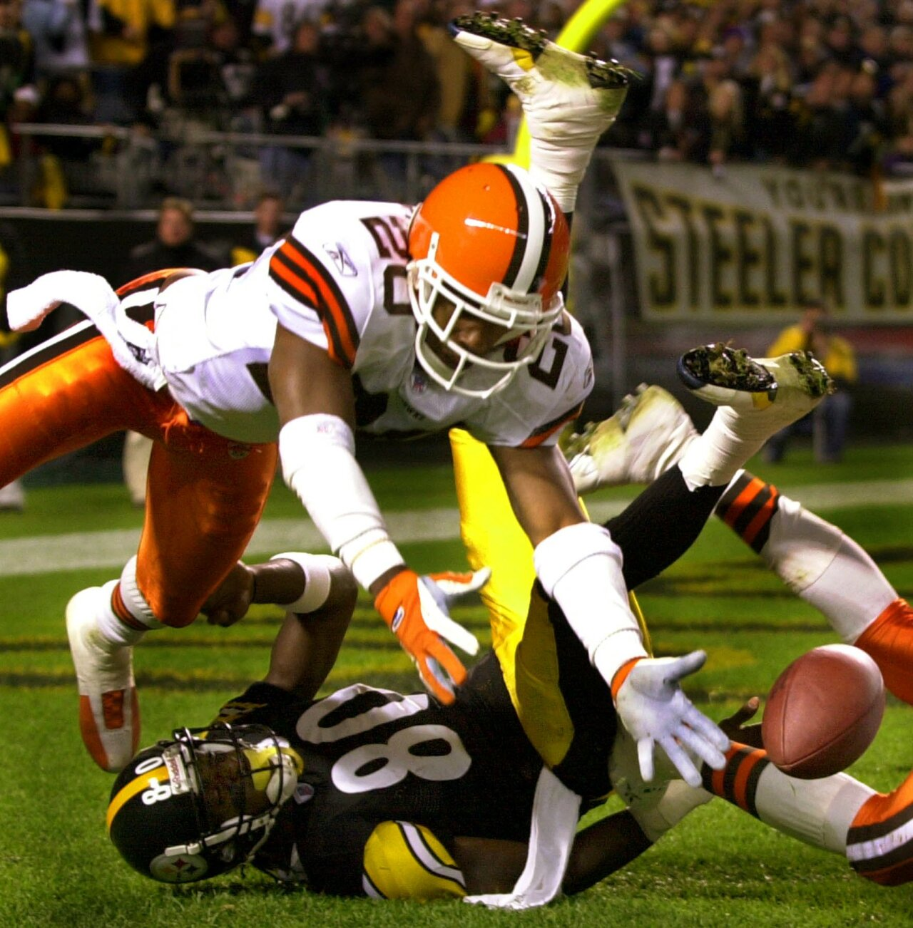 Browns win at Heinz Field
