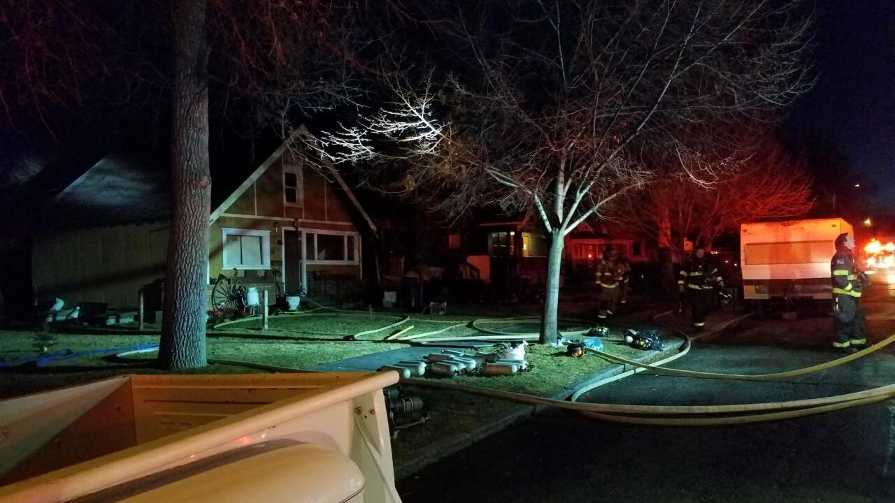 Early-morning house fire in Great Falls