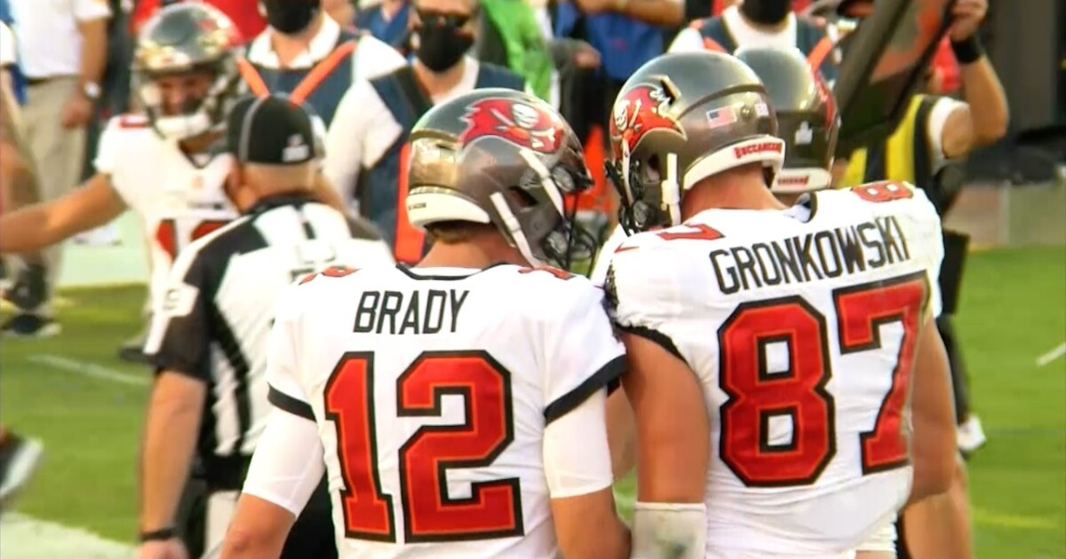 Tom Brady shares story of pre-photoshoot workout with Gronkowski