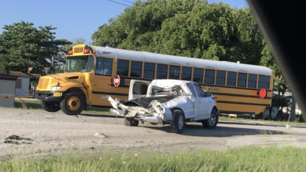 WPTV-US-27-SCHOOL-BUS-CRASH.jpg