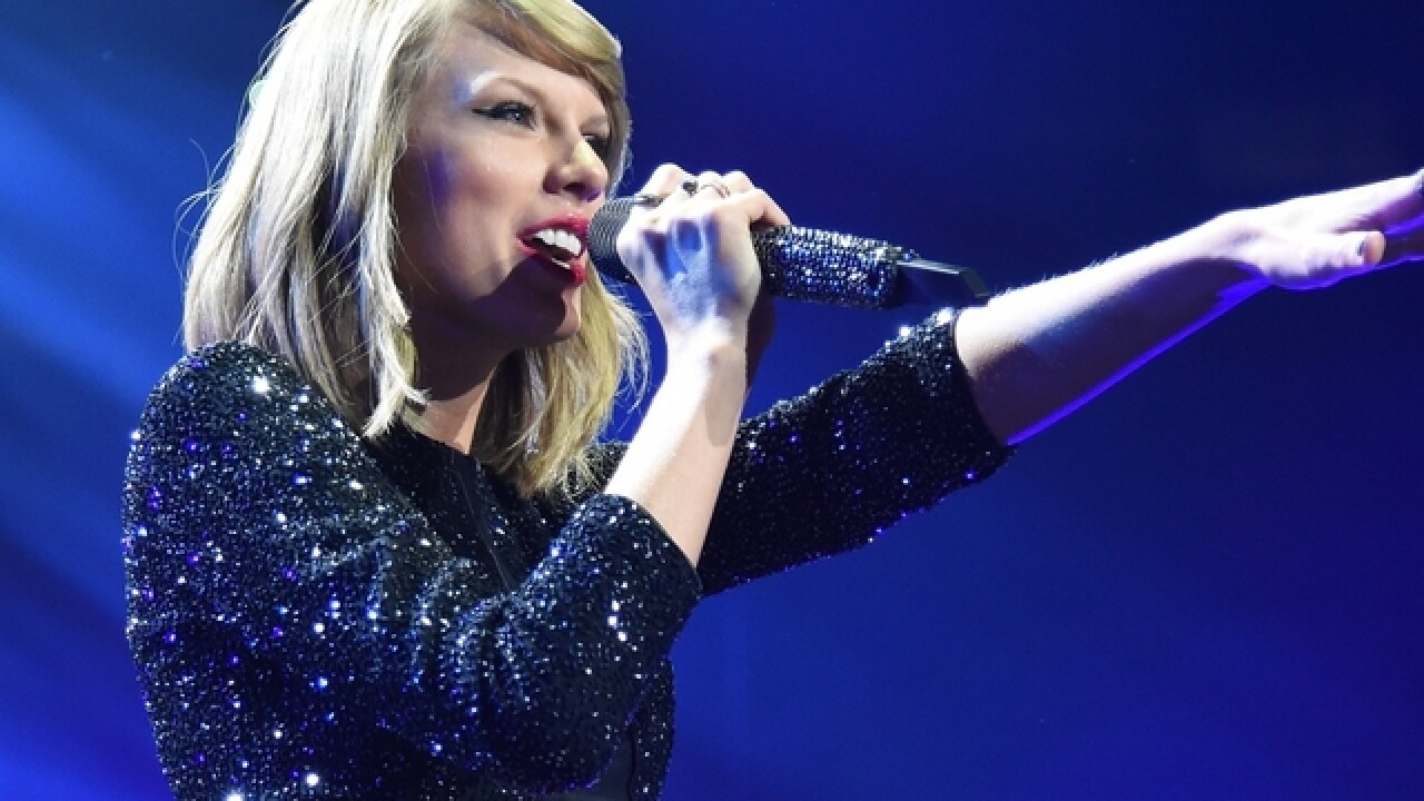 Taylor Swift reportedly stopping by CMA Awards to present award