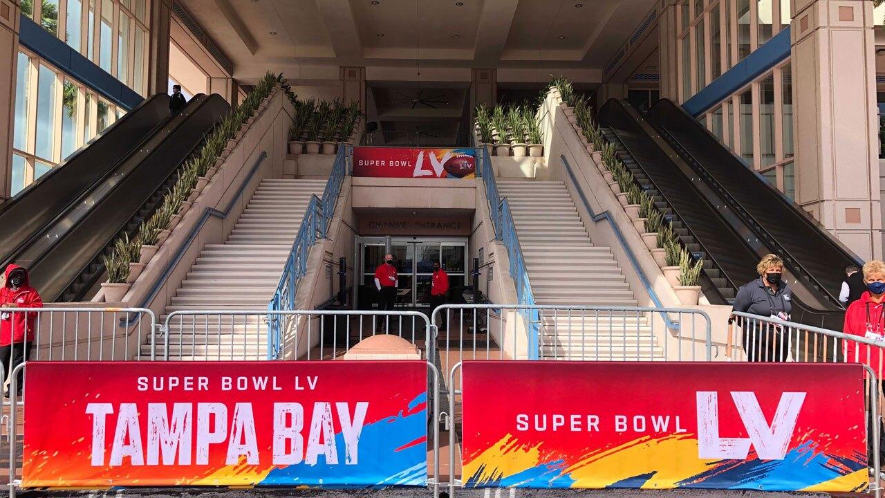 Super-Bowl-LV-Convention-Center-SARAH-HOLLENBECK.jpg