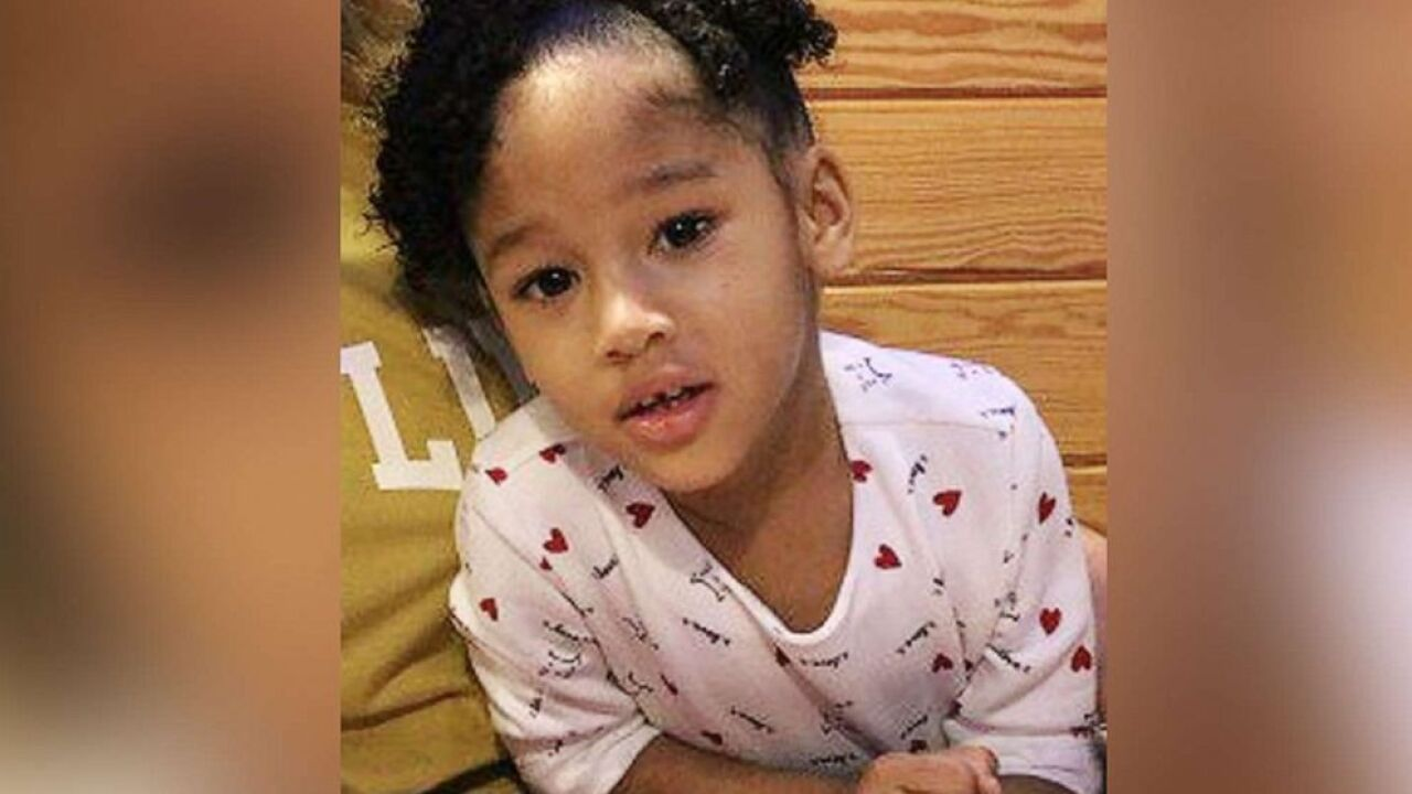 Stepfather of missing 4-year-old Texas girl taken into custody, blood found at apartment