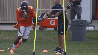 Broncos star Courtland Sutton leaves practice after making reaching catch