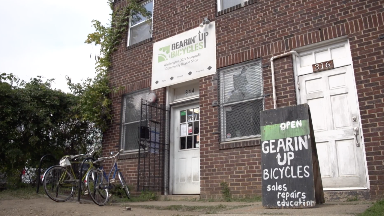 Nonprofit bicycle recycling leads to youth job training