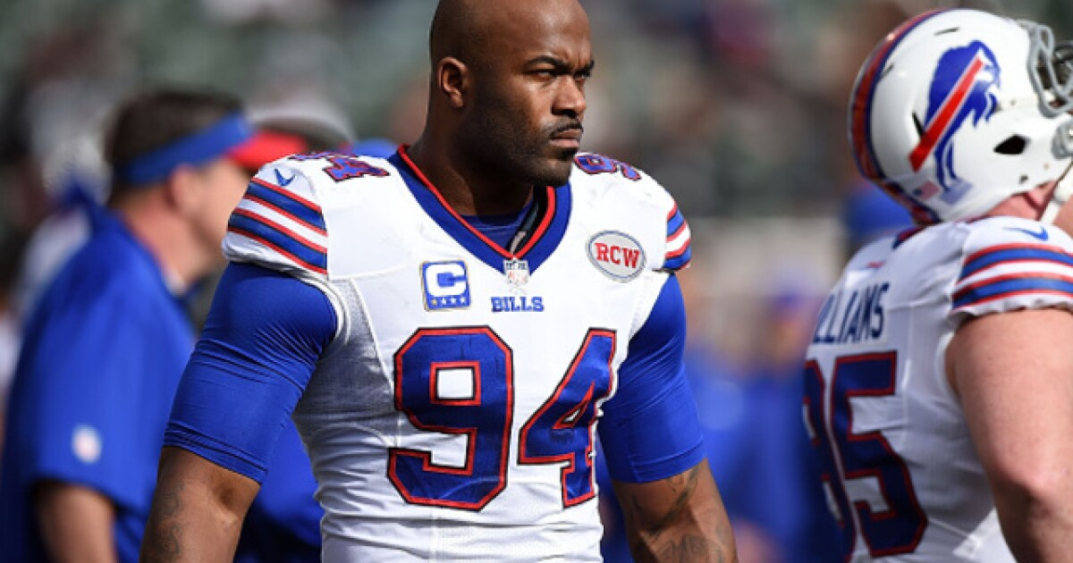 Former Bills player Mario Williams accused of trespassing