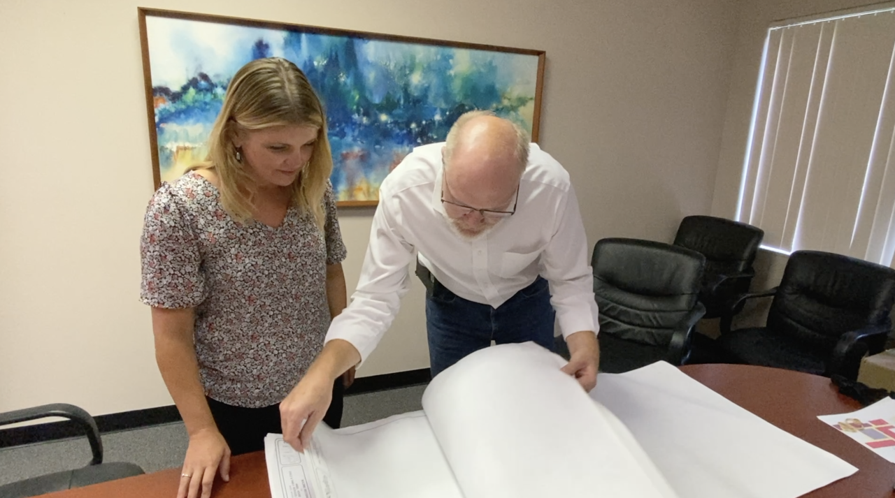 CEO and Volunteer review plans for the future.