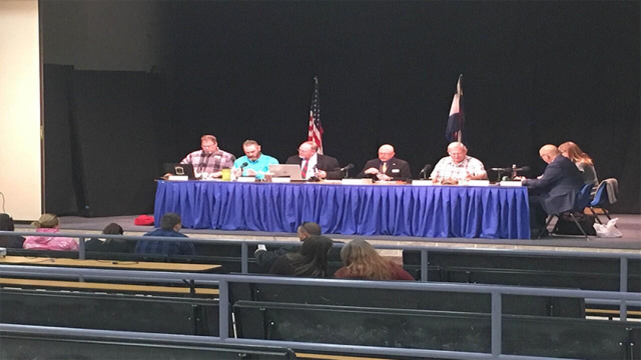 School district votes to allow guns for teachers
